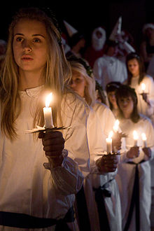 220px-Lucia_procession.jpg